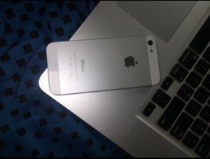 iPhone 5 16gb Unlocked for Sale in Ellenwood, GA