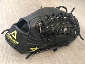 Akadema professional series 11.75 baseball glove for Sale in Bothell, WA