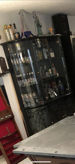 Cabinet with glass shelves for Sale in Tamarac, FL