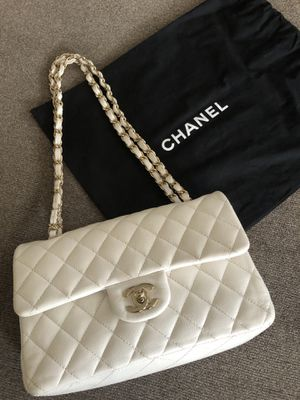 Chanel White Quilted Charms Classic Flap Authentic Original Shoulder Bag for Sale in Chicago, IL
