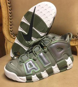 NIKE AIR UPTEMPO (SIZE 8.5) $100 for Sale in Poinciana, FL