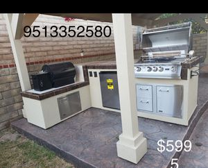 Bbq Island with Mini Fridge and lots of extras for Sale in Riverside, CA
