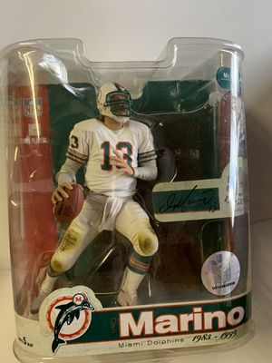 Dan Marino figurine for Sale in Avondale, AZ