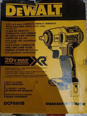 Wrench 3/8 xr nueva dewalt for Sale in Dallas, TX