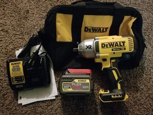 Dewalt 20-Volt Max XR Lithium-Ion 1/2 in. Cordless Impact Wrench Kit with Hog Ring Anvil Starter Kit for Sale in Modesto, CA