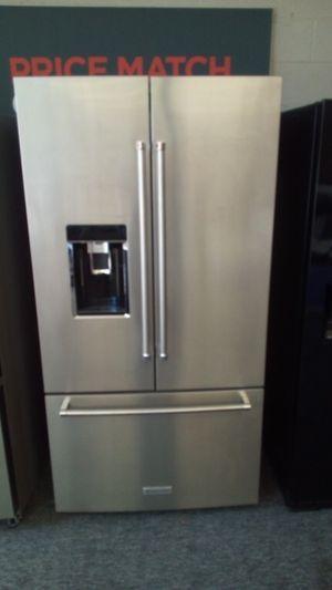 KitchenAid counterdepth Refrigerator and stove for Sale in Warren, MI