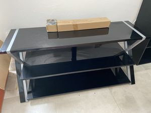 """TV stand for TVs up to 55"""" black glass shelves, excellent condition for Sale in Miami, FL"""