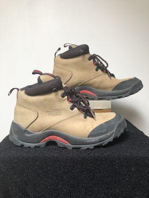 THE NORTH FACE women's waterproof boot size 9.5 for Sale in Phoenix, AZ