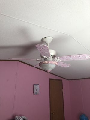 Prinsees celing fan for Sale in Tampa, FL