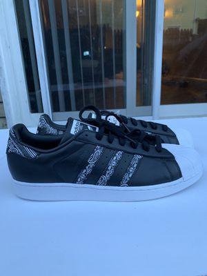 Adidas superstar graffiti men's SIZE 13 for Sale in Gaithersburg, MD