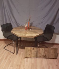 Vintage/retro 1950-1970 MCM Octogon Formica Dining Kitchen table with leaf for Sale in Gold Bar,  WA