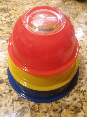 Pyrex mixing bowls set for Sale in Lake Elsinore, CA