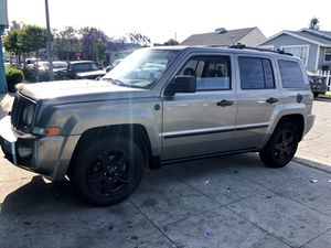 Jeep Patriot 2007 2.4 limited for Sale in Long Beach, CA