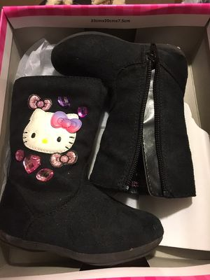 Hello Kitty Boots Size 5 for Sale in Capitol Heights, MD