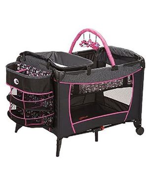 Baby play yard (no extras included) and bounce chair for Sale in Inglewood, CA