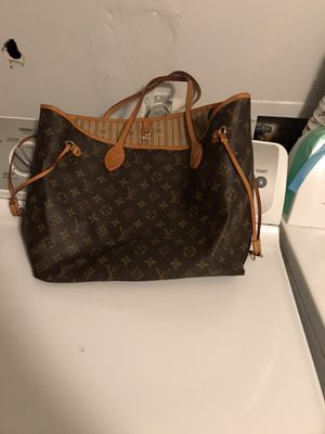 Louie V bag for Sale in Frederick, MD