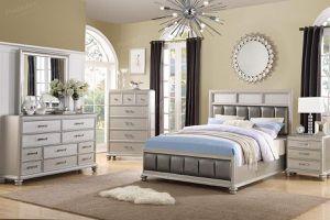 4 PC queen bedroom set 🎉🎈🎈 for Sale in Fresno, CA