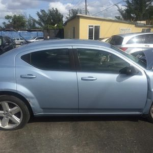 Dodge Avenger 2013 for Sale in Hialeah, FL