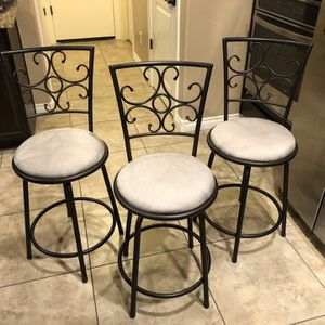 3 Bar Stools for Sale in Chandler, AZ