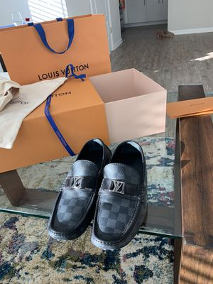 Like Brand new WORN ONCE men's Louis Vuitton Drivers Loafers Size 7 for Sale in Tampa, FL