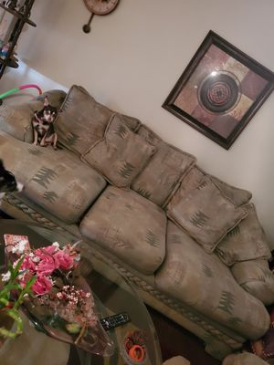 Couch and oversized chair for Sale in Fort Worth, TX