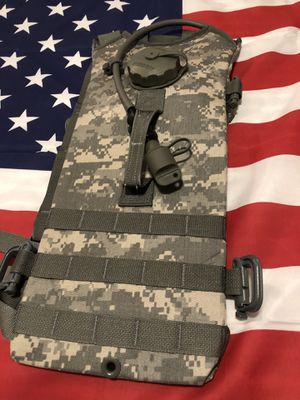 New: Molle II Hydration Backpack with Bladder 3L/100 oz for Sale in Las Vegas, NV