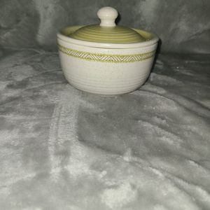Retired Franciscan Earthenware Sugar Bowl With Lid, Hacienda Green for Sale in Villa Park, IL