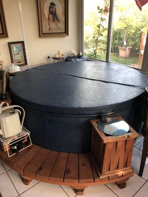 Soft Tub Hot Tub $1000 or BO for Sale in Huntington Beach, CA