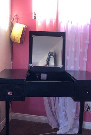 Vanity / desk for Sale in Los Angeles, CA