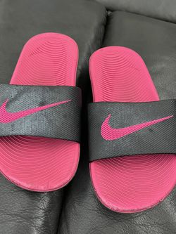 Girls 11 Slides NIKE for Sale in Los Angeles,  CA