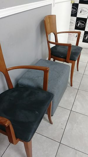 Chairs and hair storage for Sale in Miami, FL