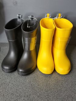 Totes Raining Boots Size 7-8 for Sale in Carson,  CA
