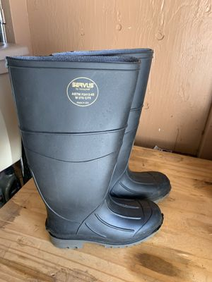 Muck/rain boots Size 7.5 w for Sale in Flagstaff, AZ
