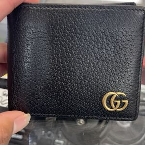 GG Marmont leather bi-fold wallet for Sale in Las Vegas, NV