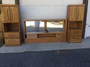Queen 3-piece Headboard Set by Orman Grubb for Sale in Leavenworth, WA