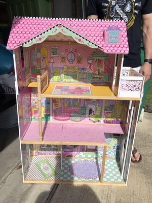 3 story KidKraft dollhouse for Sale in Pflugerville, TX