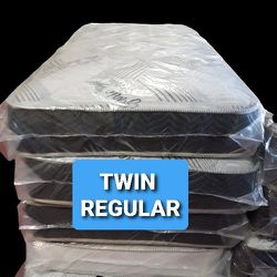 TWIN REGULAR. WITH BOX SPRING for Sale in Fresno,  CA