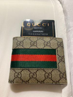 Gucci wallet for Sale in Aurora, IL