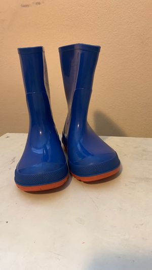 Rain boots 7-8 c for Sale in Seattle, WA
