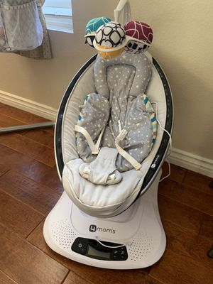 4moms mamaRoo 4 Baby Swing, high-tech Baby Rocker, Bluetooth Enabled - Classic Nylon Fabric with 5 Unique motions for Sale in Chula Vista, CA