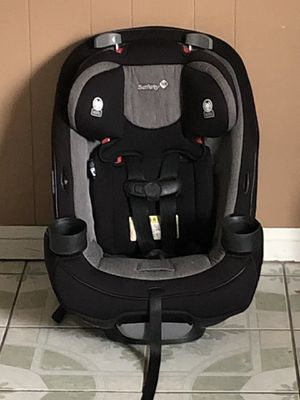 PRACTICALLY NEW SAFETY 1ST CONVERTIBLE CAR SEAT for Sale in Riverside, CA