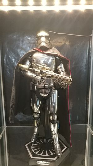 Hot Toys 1:6 scale Captain Phasma for Sale in Las Vegas, NV