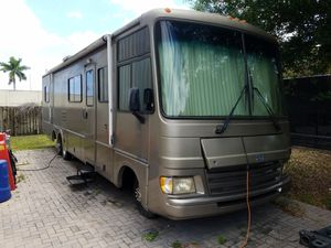 1997 Fleetwood Pace Arrow 34,Ford V8 with only 30k,fully loaded,runs/drives great!!!! for Sale in Hialeah, FL