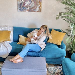 Comfy Teal Velvet Couch And Matching Love Seat for Sale in Abilene, TX
