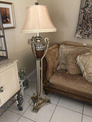 Floor lamp for Sale in Boca Raton, FL