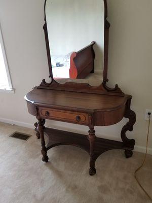Beautiful walnut veneer double bedroom set for Sale in Inwood, WV