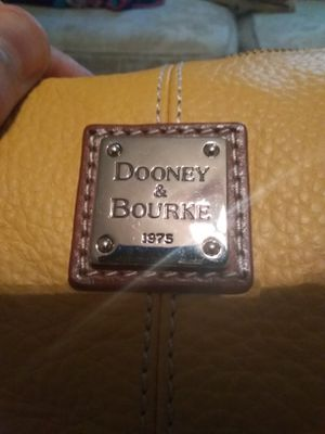 Dooney Bourke Purse for Sale in Alexandria, LA