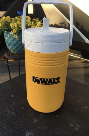 Dewalt half gallon Personal cooler. Great for not sharing. Brand new. Never used. No facebook and no messenger. for Sale in Sevierville, TN