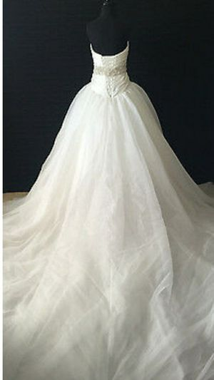 Ivory wedding dress size 22 for Sale in Placentia, CA