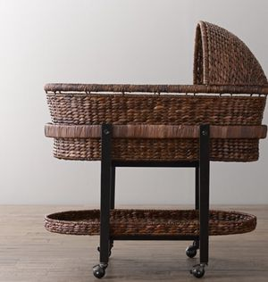EXPRESSO Baby Bassinet Bed Crib Seagrass for Sale in Los Angeles, CA